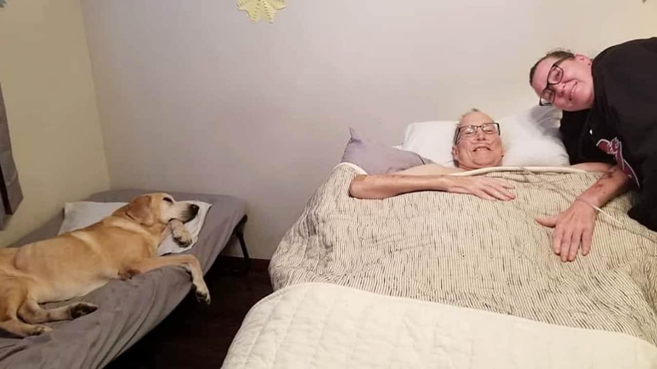 Πέθανε και ο πιστός σκύλος του, τον ακολούθησε